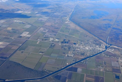 Aerial_view_of_Moore_Haven_Florida_near_Clewiston_terrenosnaflorida-com_shutterstock_785712304_1200x680