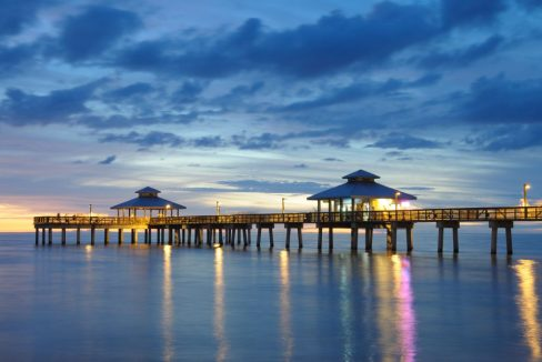 Fort_Myers_Pier_at_Sunset_Florida_USA_terrenosnaflorida-com_shutterstock_42880288_1200x680