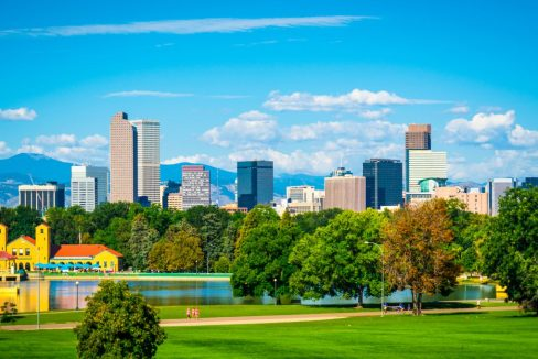 Green_City_Park_View_of_Denver_Colorado_downtown_terrenosnaflorida-com_shutterstock_1171915798_1200x680