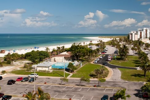 Lido_Beach_on_Siesta_Key_in_Sarasota_Florida_terrenosnaflorida-com_shutterstock_60298186_1200x680