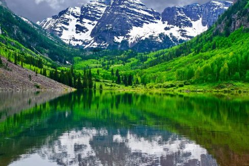 Maroon_Bells_near_Aspen_Snowmass_Village_Colorado_State_USA_terrenosnaflorida-com_shutterstock_577003054_1200x680