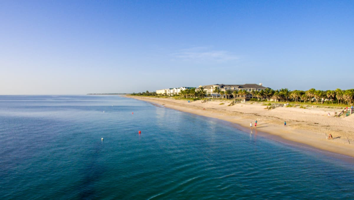 Spoil_Island_in_the_Indian_River_Lagoon_Vero_Beach_Florida_terrenosnaflorida-com_shutterstock_727937194_1200x680