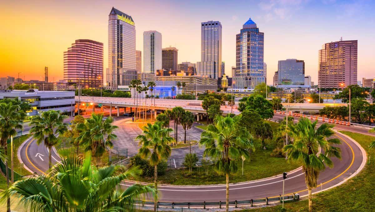 Tampa_Florida_USA_downtown_skyline_terrenosnaflorida-com_shutterstock_473876671_1200x680
